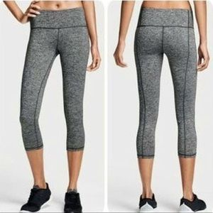 Victoria Sport Cropped Knockout Legging Size M